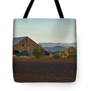 Rogue Valley Barn In Late Afternoon Tote Bag