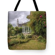 Rose Garden Near Cottage In England Tote Bag