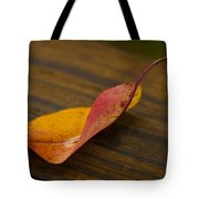 Single Leaf Tote Bag