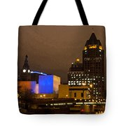 Skyline At The Milwaukee River Tote Bag
