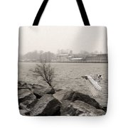 Snowy Owl In Motion Tote Bag