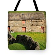 Stone Barn With Red Doors In Swaledale Yorkshire Dales Tote Bag
