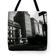 Sunday At The Museum Tote Bag