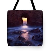 Sunset On Arch Rock In Pfeiffer Beach Big Sur In California. Tote Bag