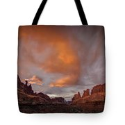 Sunset On Park Avenue Tote Bag