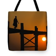 Sunset Over The U Bein Foot Bridge Tote Bag