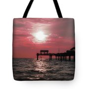 Sunsetting On The Gulf Tote Bag