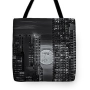 Super Moon Rises Over The Big Apple Bw Tote Bag by Susan Candelario