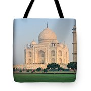 Taj Mahal At Sunrise - Agra - Uttar Pradesh - India Tote Bag