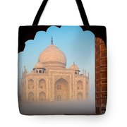 Taj Mahal Dawn Tote Bag