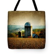 Tanner Hill Farm In The Fall Connecticut Usa Tote Bag