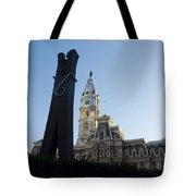 The Clothes Pin Statue And City Hall - Philadelphia Tote Bag