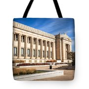 The Field Museum In Chicago Tote Bag by Paul Velgos