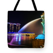 The Merlion Fountain And Marina Bay Sands - Singapore Tote Bag