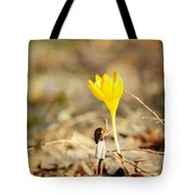 Thumbelina And The Crocus Tote Bag