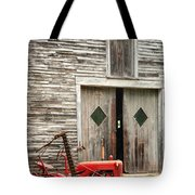 Red Tractor And Old Barn Ossipee New Hampshire Tote Bag