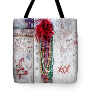 Tomb Of Marie Laveau New Orleans Tote Bag