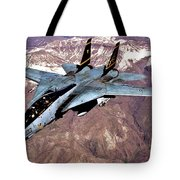 Tomcat Over Iraq Tote Bag