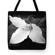 Trillium Flower In Black And White Tote Bag