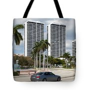 Trump Plaza In Downtown West Palm Beach Skyline Tote Bag