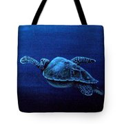 Turtle In The Red Sea Tote Bag
