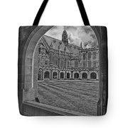 University Of Sydney-black And White V3 Tote Bag