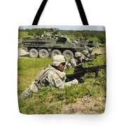 U.s. Soldiers Move Into Firing Tote Bag