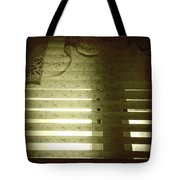 Venetian Blinds Tote Bag by Les Cunliffe