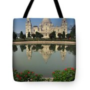 Victoria Memorial Kolkata India - Reflection On Water Tote Bag