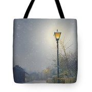 Victorian Gas Lamp In Winter Tote Bag