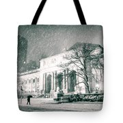 Winter Night In New York City - Snow Falls Onto 5th Avenue Tote Bag