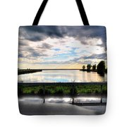 03 Reflecting Tote Bag