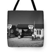 Route 66 Gas Station 2012 Bw Tote Bag by Frank Romeo