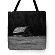 An Old Barn In Black And White Tote Bag