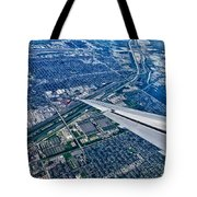 Approach Into Chicago Tote Bag