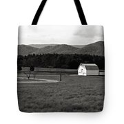 Autumn Barn In Green Bank Wv Bw Tote Bag