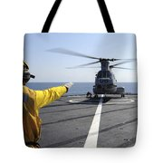 Boatswain's Mate Directs A Ch-46 Sea Tote Bag