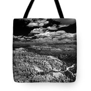 Bryce Canyon Ampitheater - Black And White Tote Bag