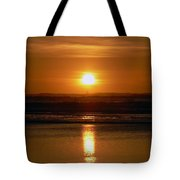 Crab Fishing The Sunset Tote Bag