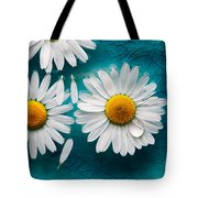 Daisies Floating In Water Tote Bag