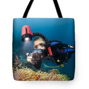 Diver And Anenome Fish Tote Bag