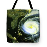 Goes 8 Satellite Image Of Hurricane Fran Tote Bag by Science Source