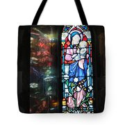 Light Reflecting Through The Window And Reflecting On A Wall Tote Bag