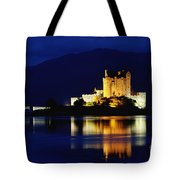 Night Falls On Eilean Donan Castle - D002114 Tote Bag