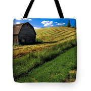 Old Barn In A Field Tote Bag