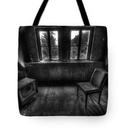 Old Black And White Tv Tote Bag