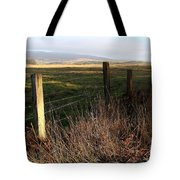 Old Fence And Landscape At Point Reyes California . 7d9968 Tote Bag