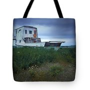 Old Houseboat On A Minnesota Shore On Lake Superior Tote Bag