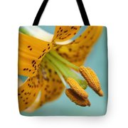 Oregon, United States Of America A Lily Tote Bag