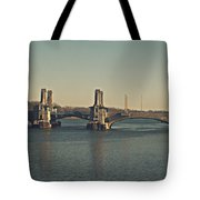 Pelham Bridge - Fade Tote Bag